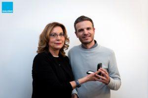 Filippo Pistolesi ritira il premio da Loredana Bruno, segretario della Cassa